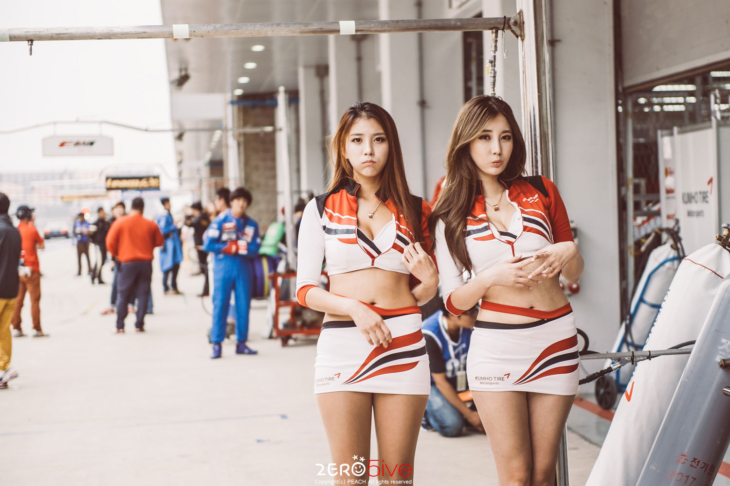 SuperRace 2014 Kumho Tire race queens
