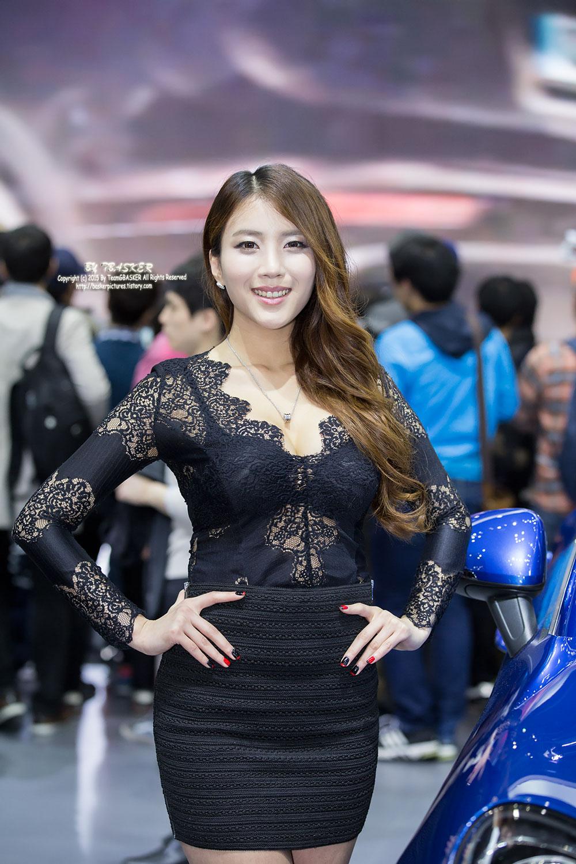 Cha Jung Ah Seoul Motor Show 2015 Porsche