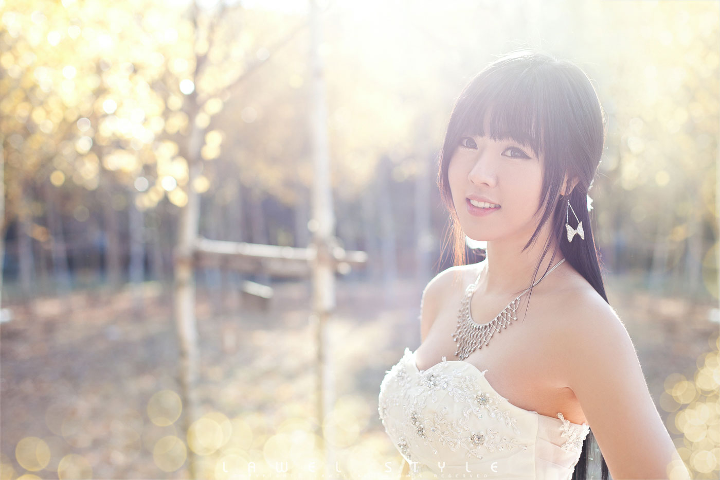 Korean model Hwang Mi Hee wedding dress