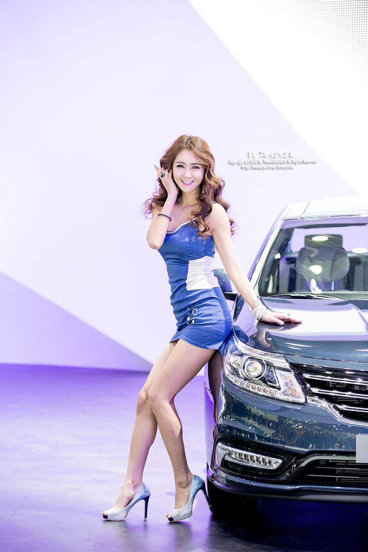 Jung Joo Mi Seoul Motor Show 2015 Renault Samsung