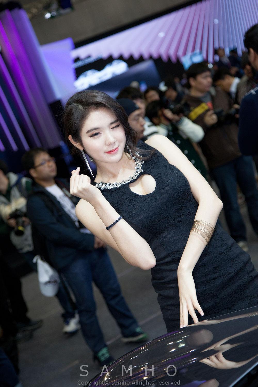Min Yu Rin Seoul Motor Show 2015 Infiniti