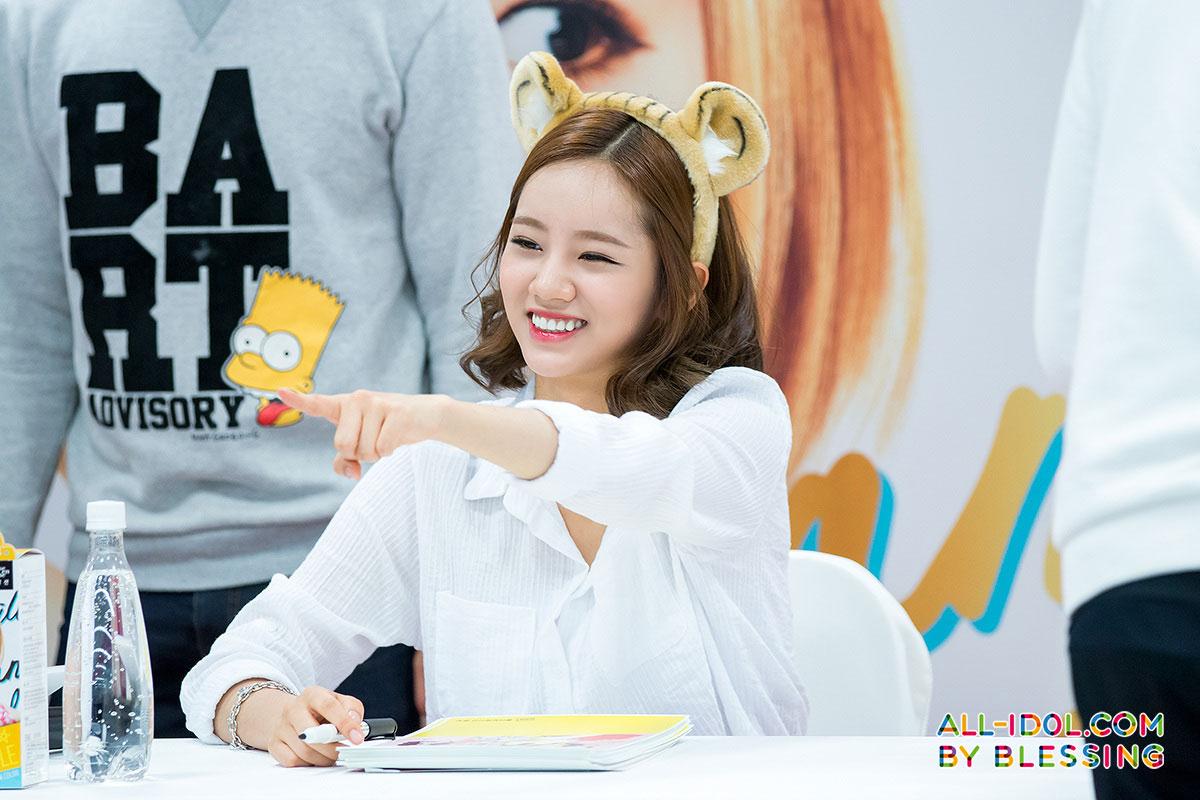 Girls Day Hyeri Hello Bubble fan signing