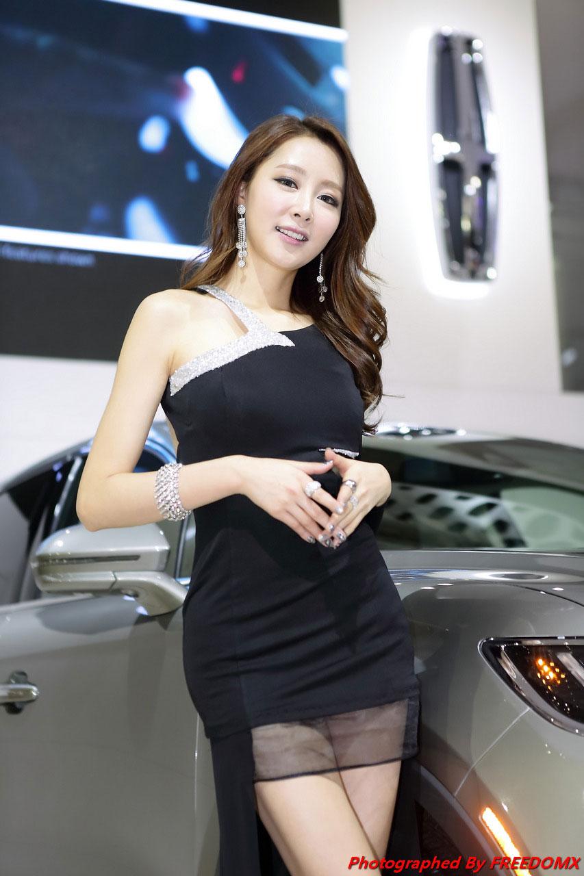 Eun Bin Seoul Motor Show 2015 Lincoln MKX