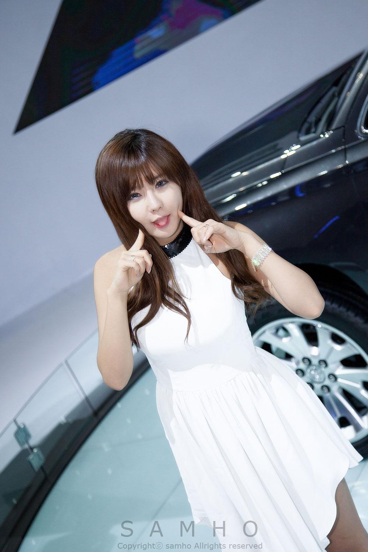 Ryu Ji Hye Seoul Motor Show 2015 Cadillac