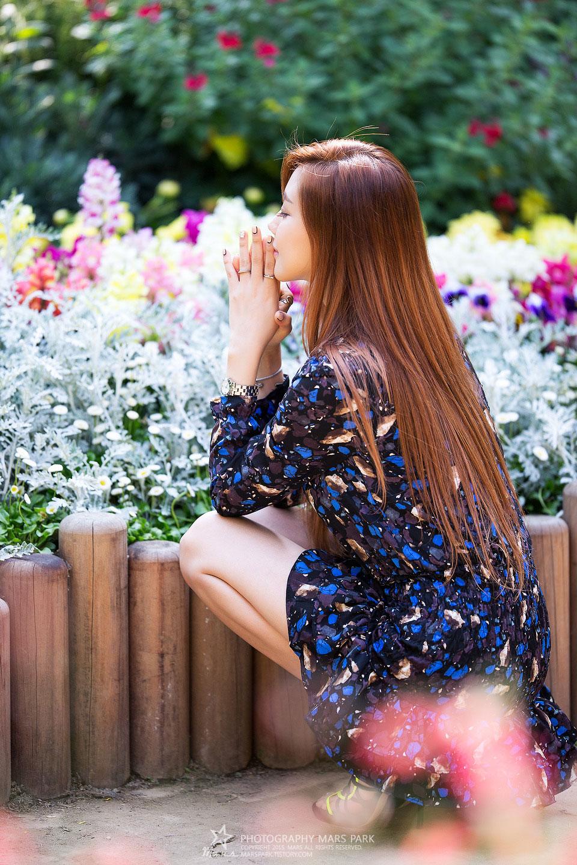 Korean model Kim Ha Yul garden photoshoot