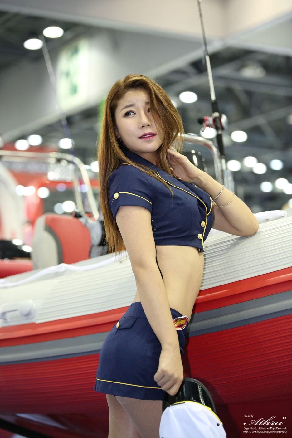 Kim Si Yeon Korea Boat Show 2015 Seahawk