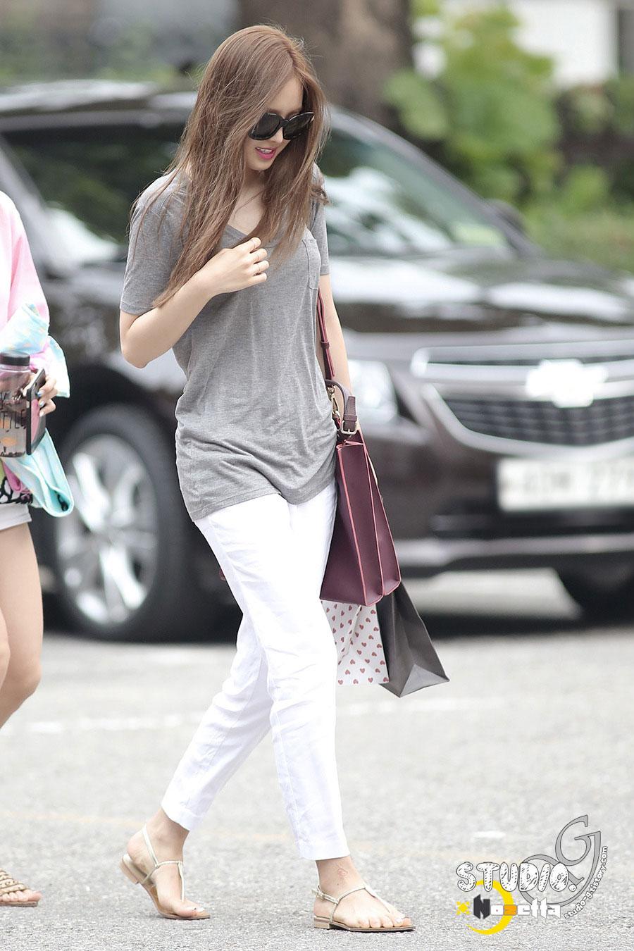 Apink Naeun KBS Music Bank commute