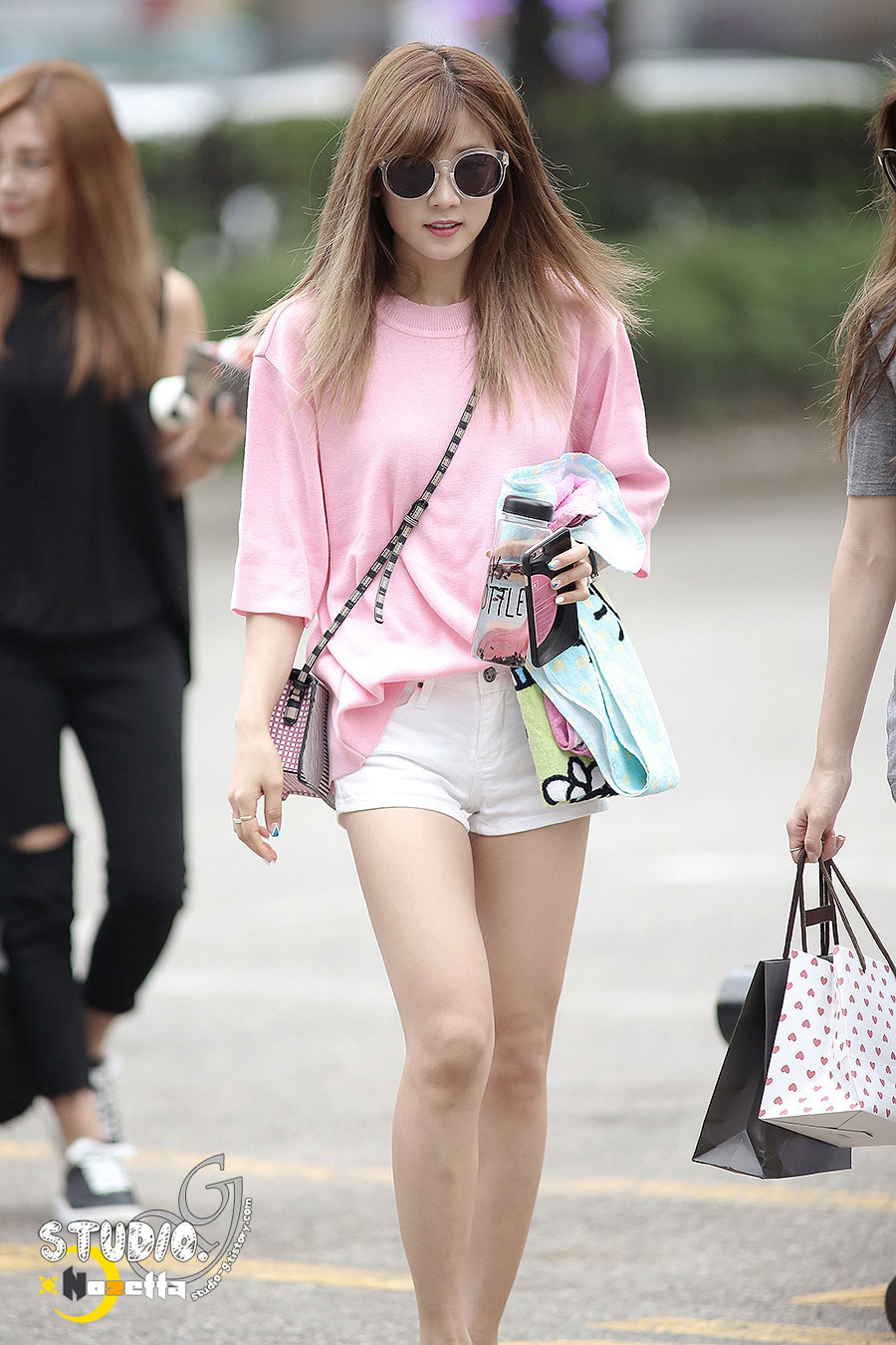 Apink Chorong KBS Music Bank commute
