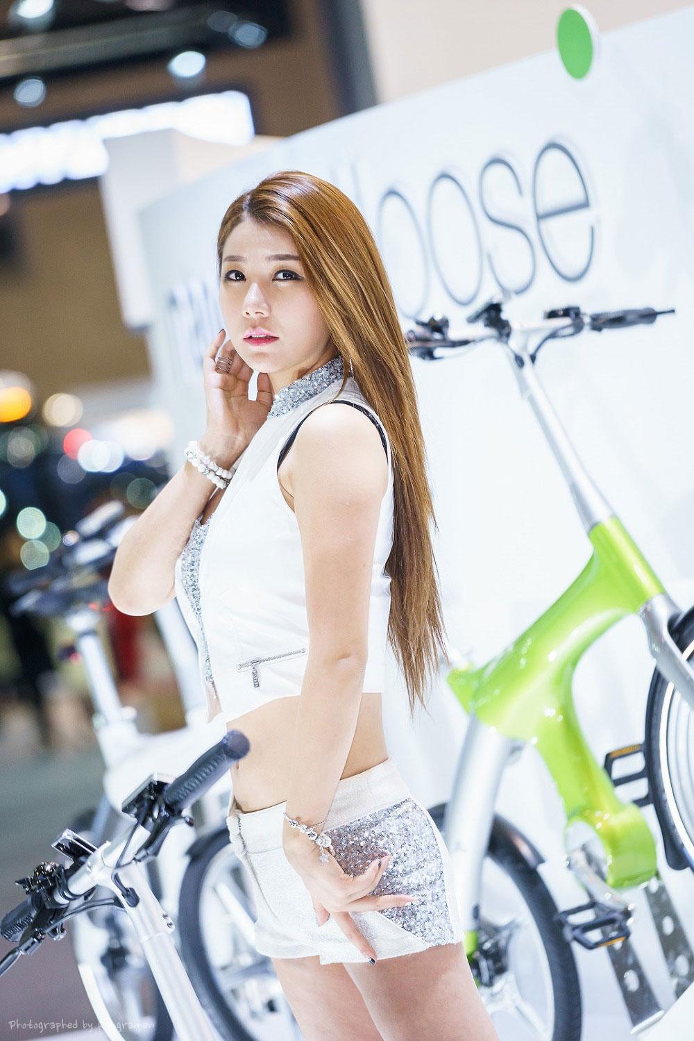 Kim Si Yeon Seoul Motor Show 2015 Mando Footloose
