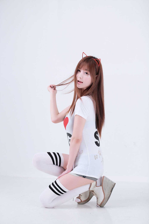 Model Choi Seul Gi loves Singapore