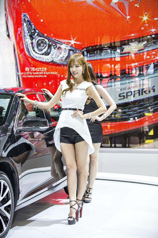 Kang I Na Seoul Motor Show 2015 Chevrolet