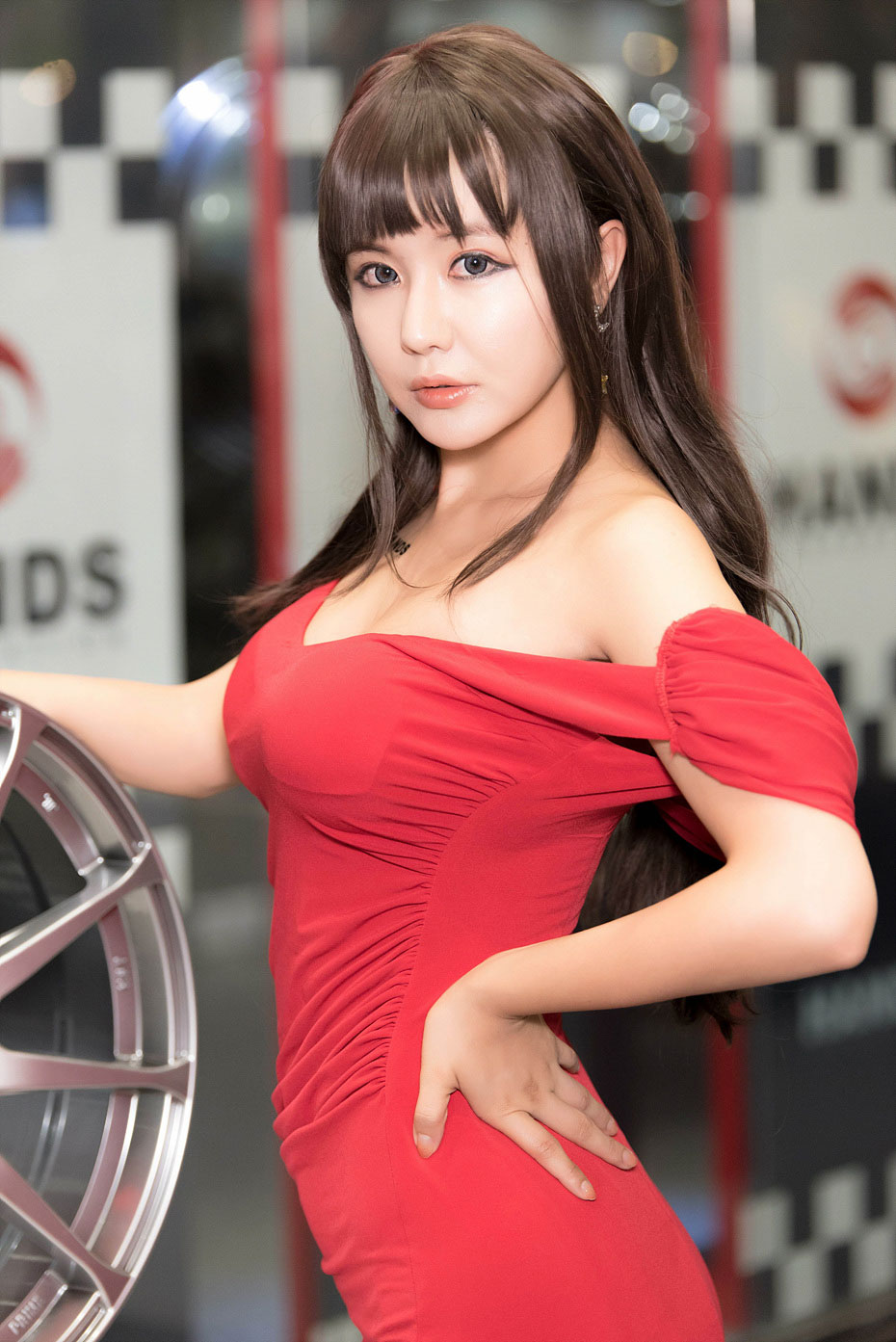 Ryu Ji Hye Seoul Auto Salon 2015 HANDS wheels