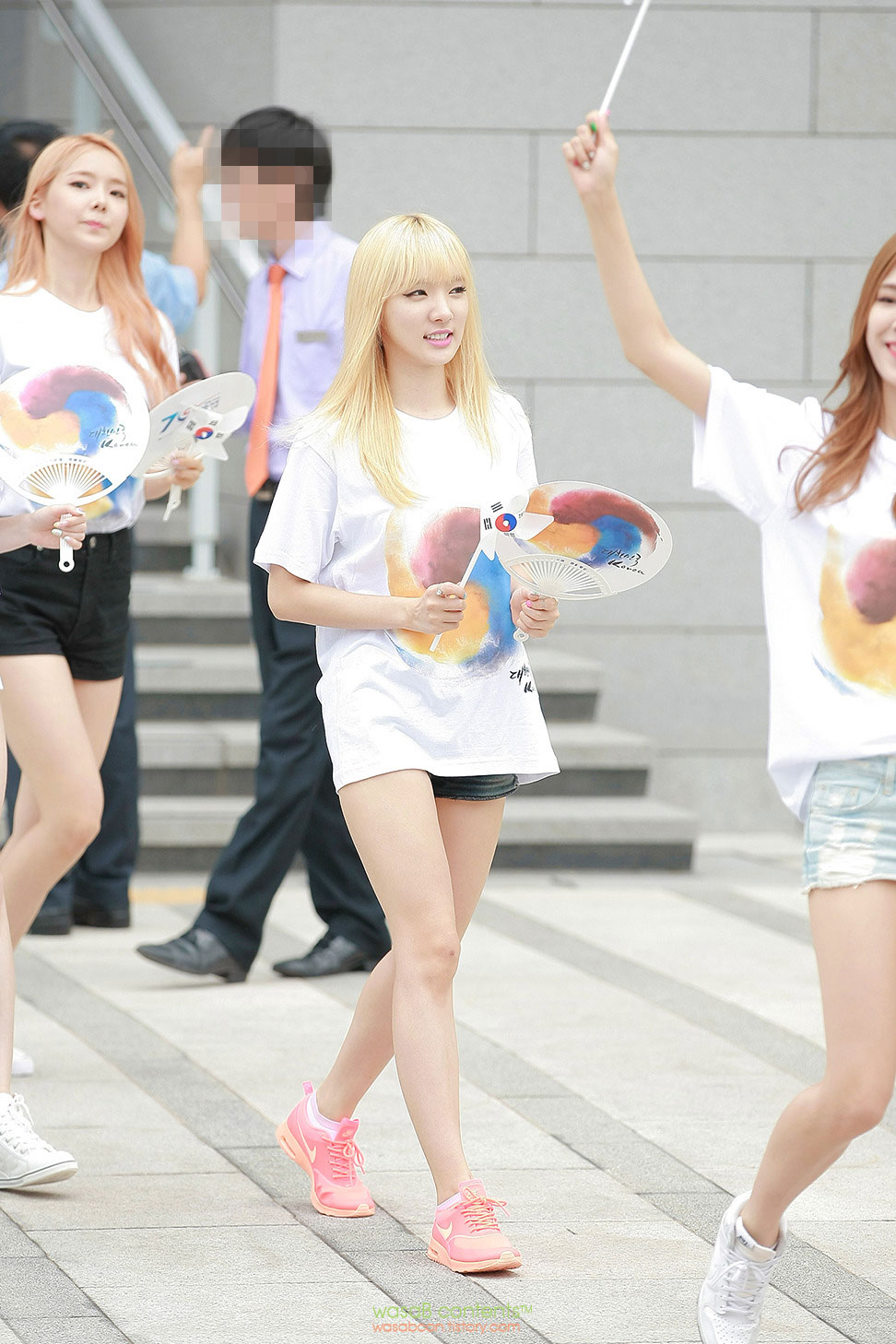 Stellar Minhee Korean Artists Pop Culture Loving Nation