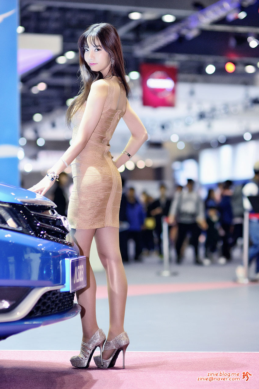 Han Min Young Seoul Motor Show 2015 Detroit Electric