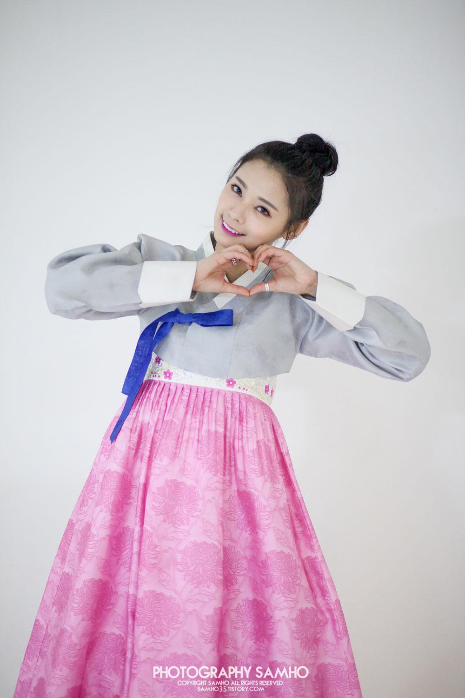 Rania Di traditional Korean Hanbok dress