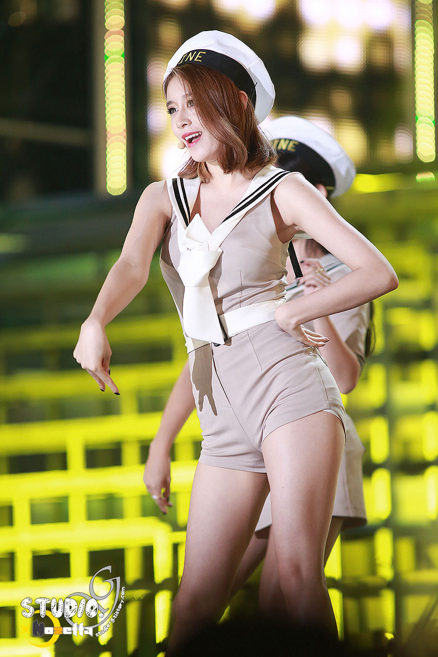 Tara Jiyeon Marine style performance