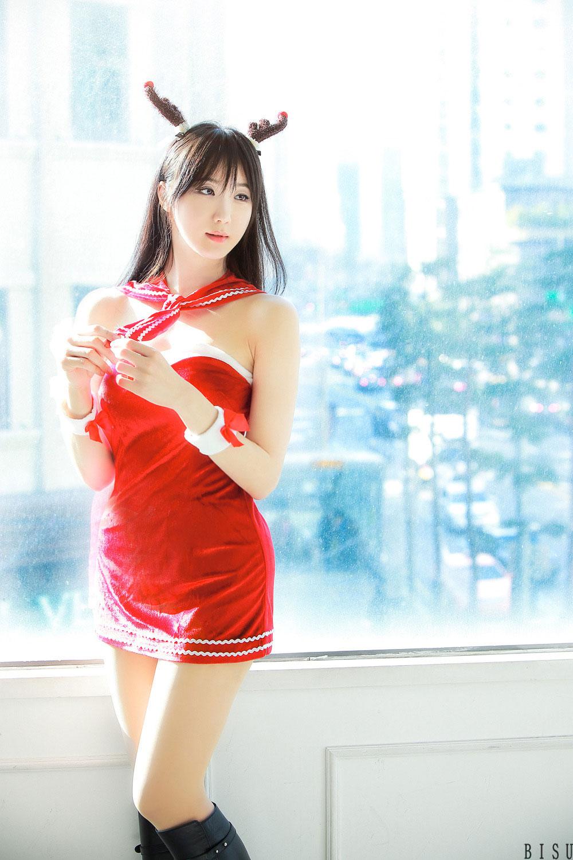 Yeon Da Bin Christmas Rudolph costume