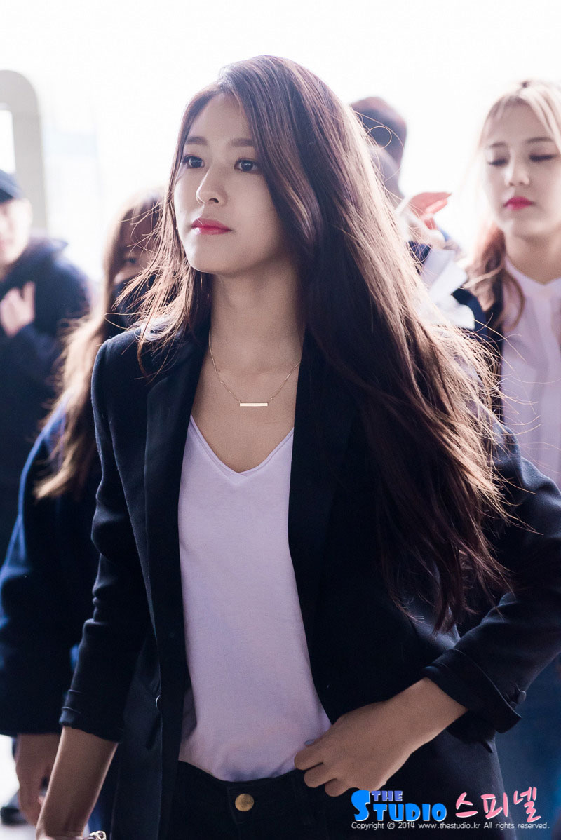 AOA Seolhyun Gimpo Airport to Japan