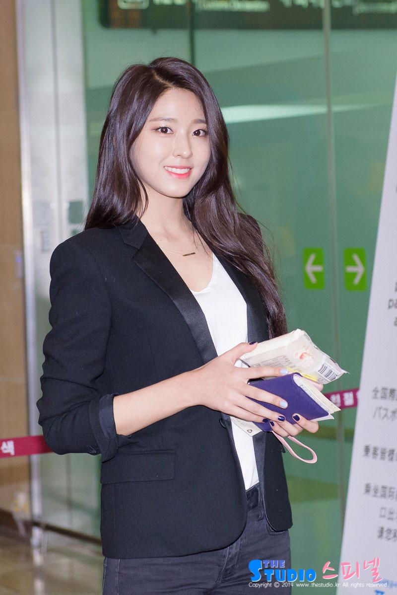 AOA Seolhyun Gimpo Airport to Japan