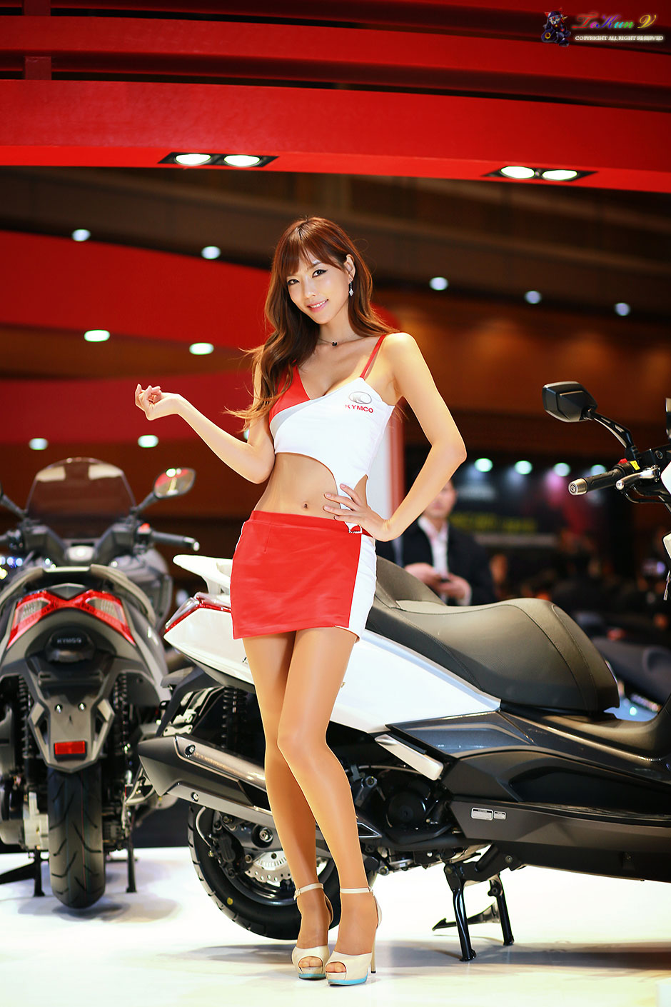 Kang I Na Seoul Motorcycle Show 2015 KYMCO