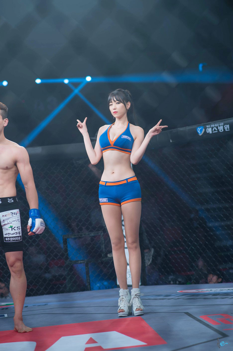 Lee Eun Hye Korean Road FC ring girl