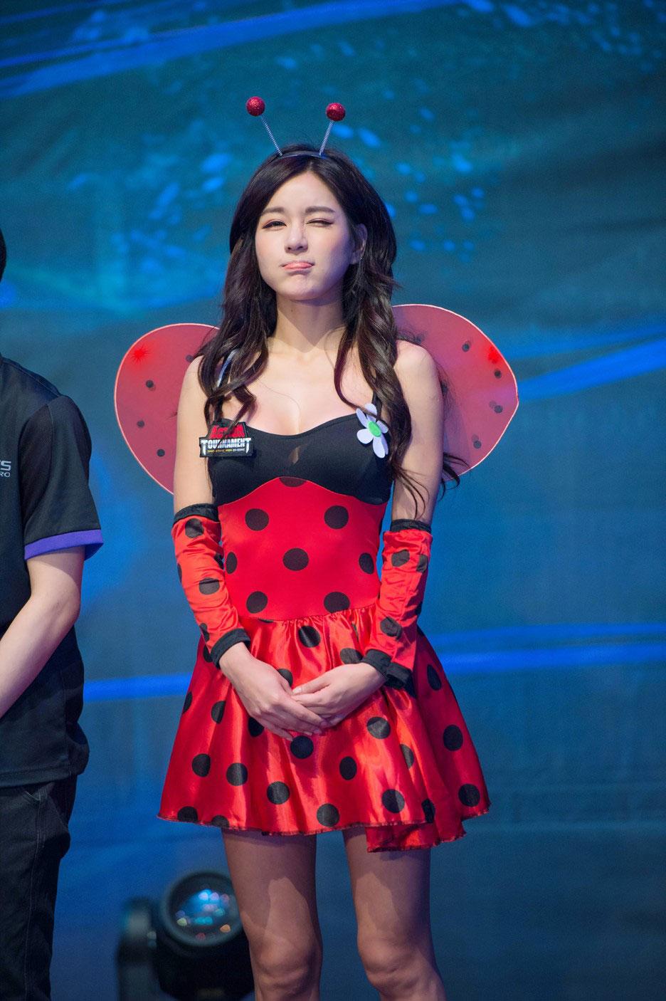 Park Si Hyun korean photos