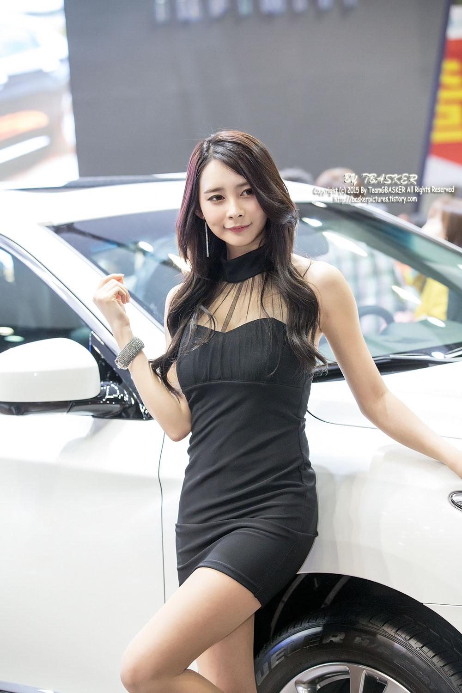 Seo Han Bit Seoul Motor Show 2015 Infiniti