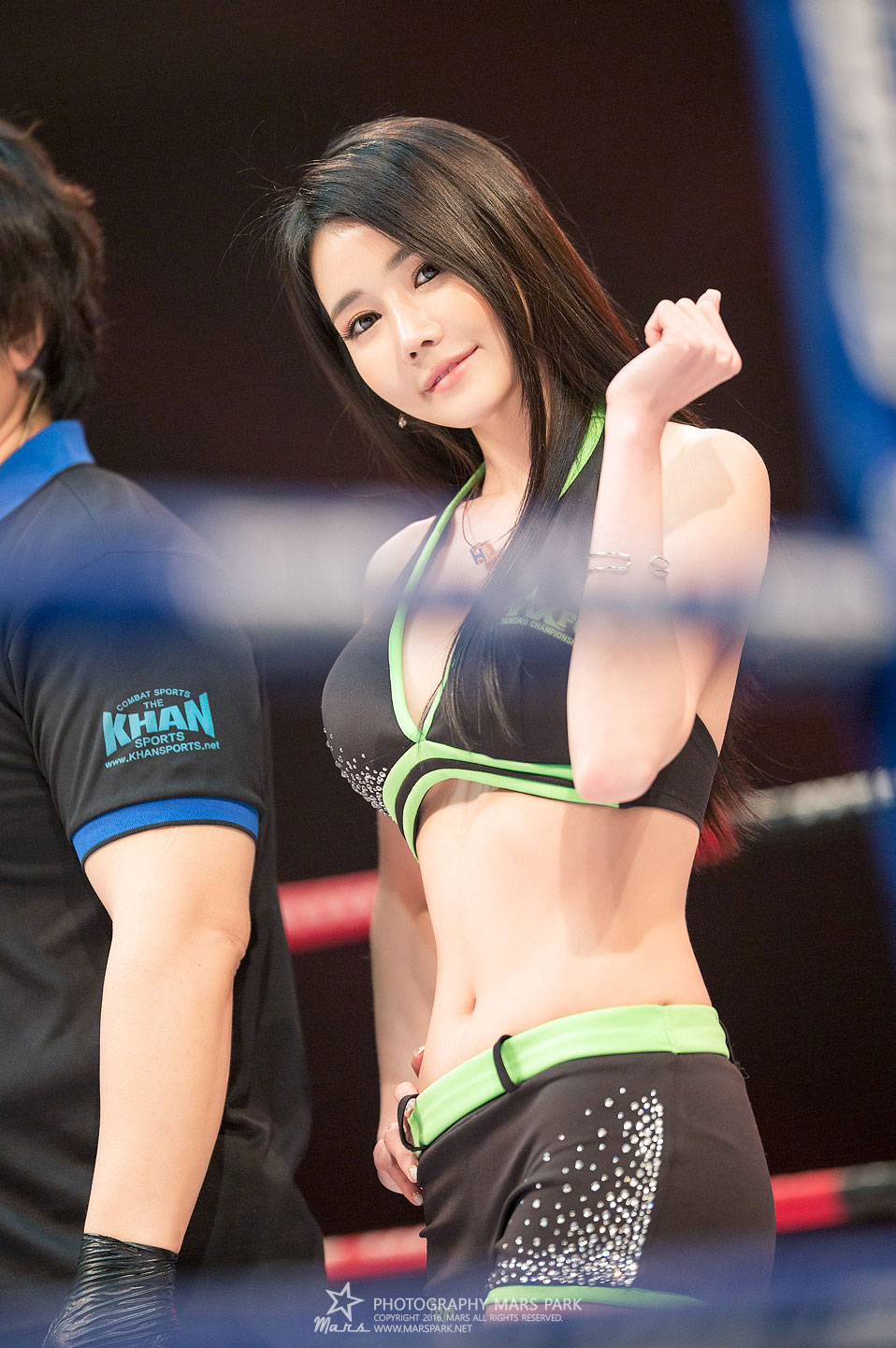 Ring girl Han Ga Eun MAX FC 2016