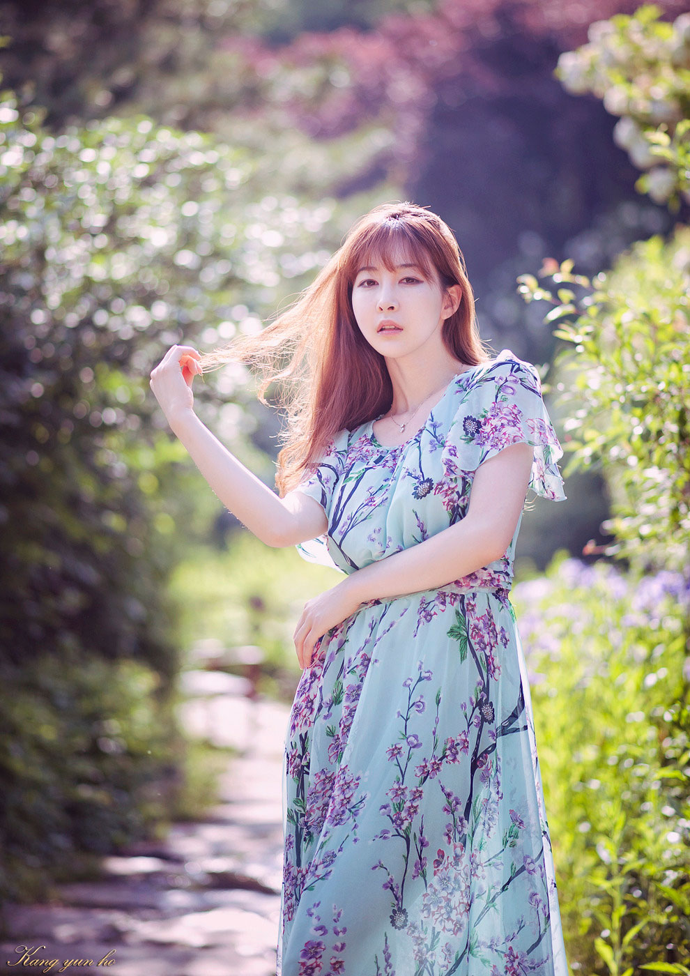Korean model Lee Ga Na spring outdoor photoshoot