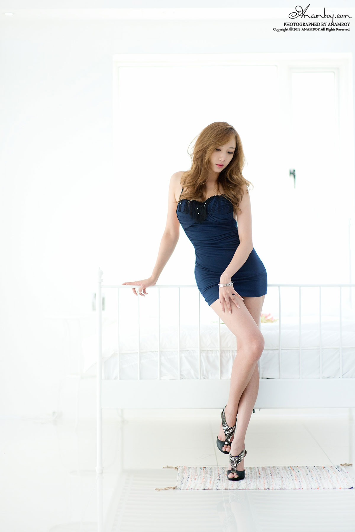 Seo Aran blue dress studio photoshoot