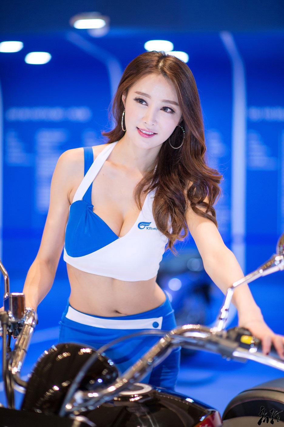 Eun Bin Seoul Motorcycle Show 2016 KR Motors