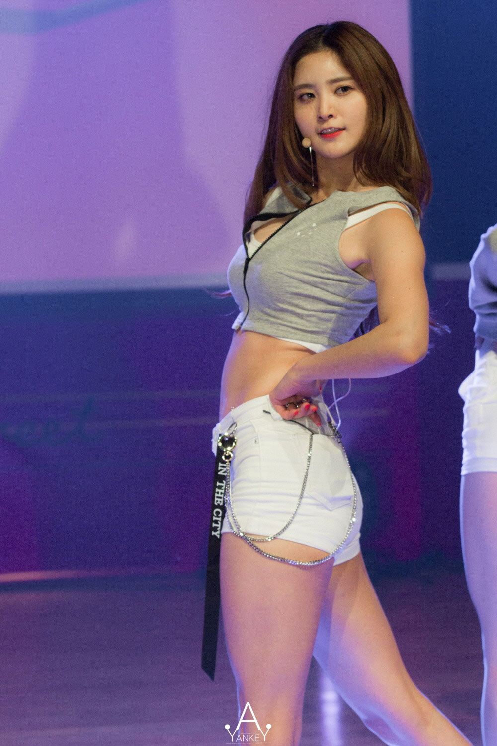 EXID Junghwa Street LIE showcase