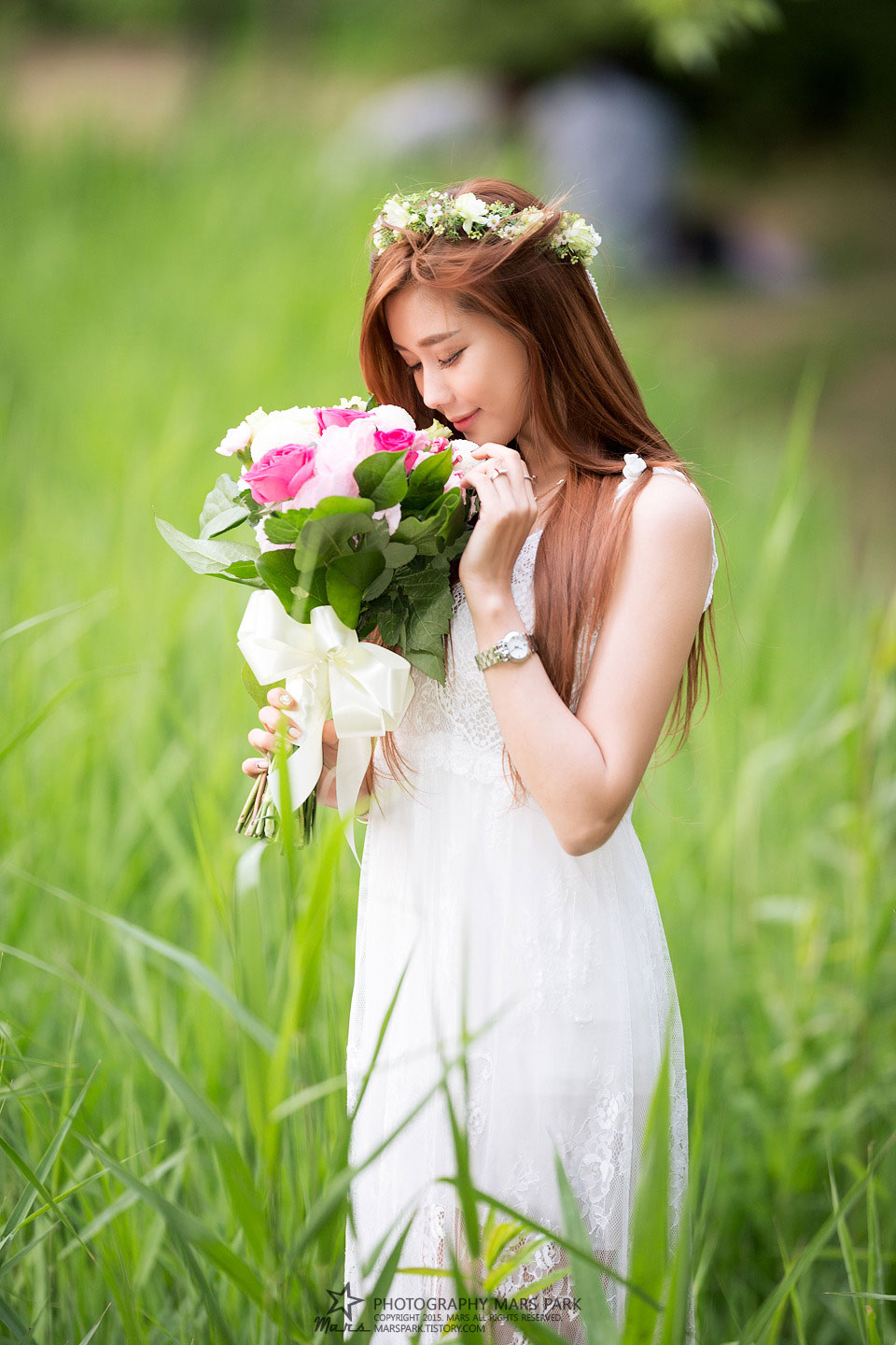 Korean model Kim Ha Yul wedding dress