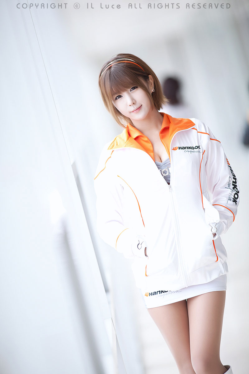 Hankook racing model Heo Yun Mi at Round 1 of the 2012 DDGT ...